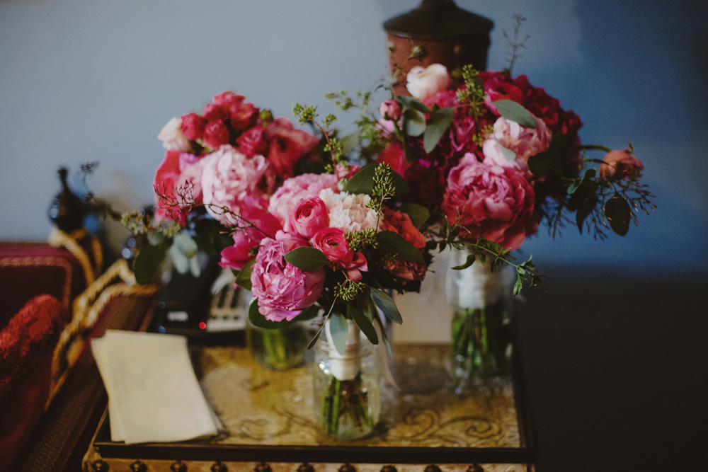 magenta-pink-bouquet-loose-organic-garden-peonies