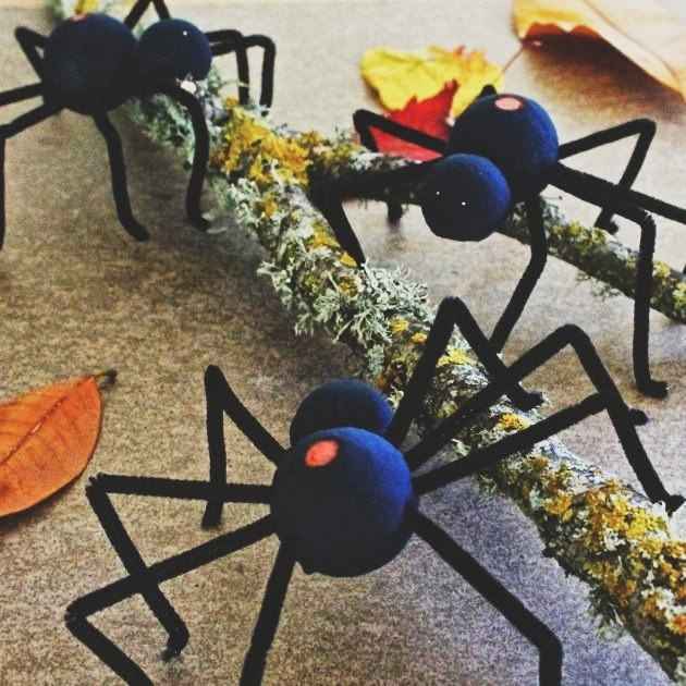 DIY Spooky Spiders