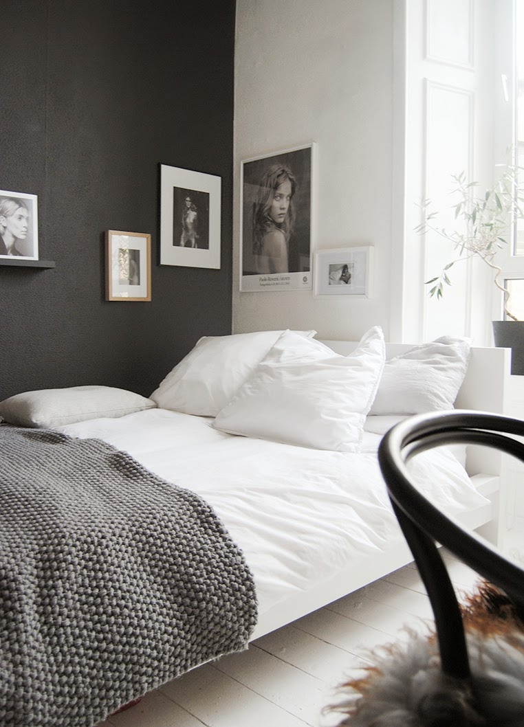 Leaving A White Wall Allows Natural Light To Bounce Off During The Day But Black Grounds Room Drawing Walls