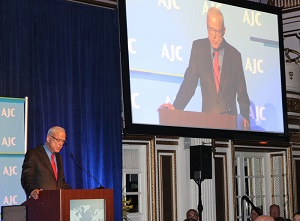 Arthur-Winn-at-AJC-Award_revised.jpg