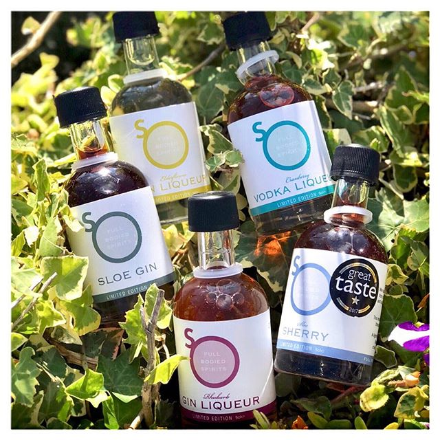 Fridays are for gin...and vodka...and sherry! 🙊 @so_drinks are distilled with #naturalingredients from #farmtoglass. What could be better than tasty liqueurs after a long week at work? 🍸