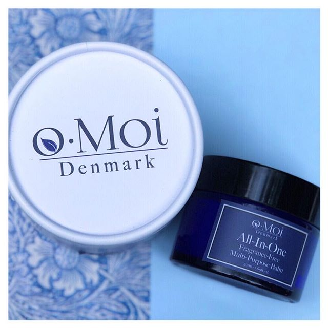 We've got the Monday blues 😩, and that means we're looking for #nofuss, quick and easy skincare! @omoiskincare's #multipurposebalm takes the stress out of our morning routines - #regenerating our skin whilst we kick start our working week ☕️