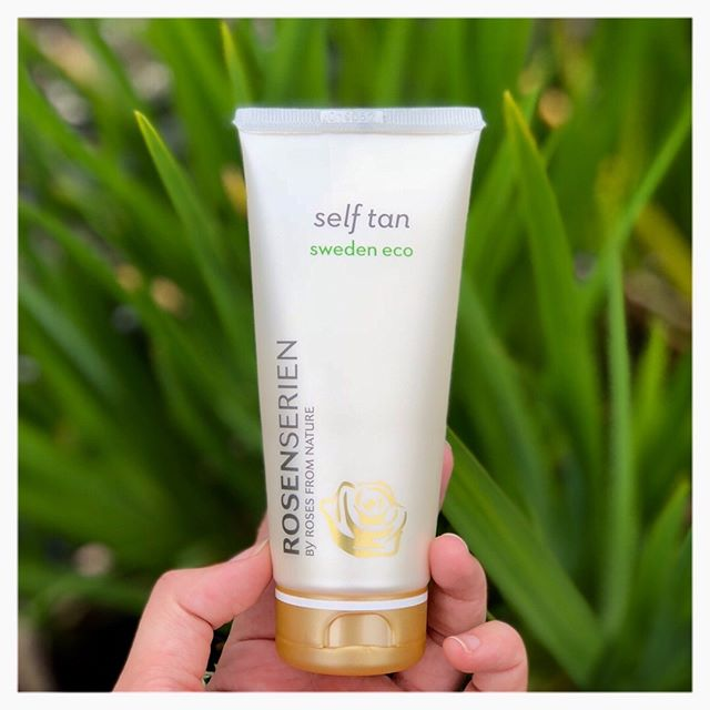 Tanning products don't have to be harsh on the skin 💃🏼 @rosenserien_swedeneco's #selftan uses #sugarbeet, and 75% #organic ingredients. An added bonus? The shade can last for up to 5 days 🙌 A streak free glow ✅