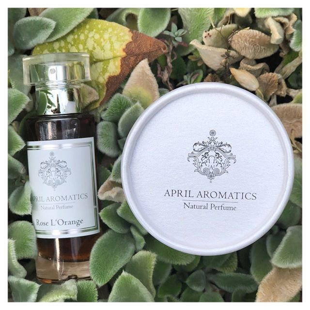 We can't get enough of a great fragrance, especially when it's #certifiedorganic and #natural 🌿 @aprilaromatics' #rosel'orange #eaudeparfum contains #roseotto, neroli and #mandarin - for a fruity way to start the weekend 🍊