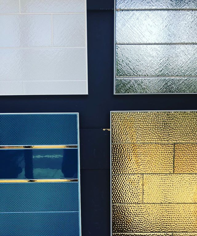 New and shiny #akdo #metalic #metalictile #interiordesign #walltiles #oaklandrealestate #tileandstone