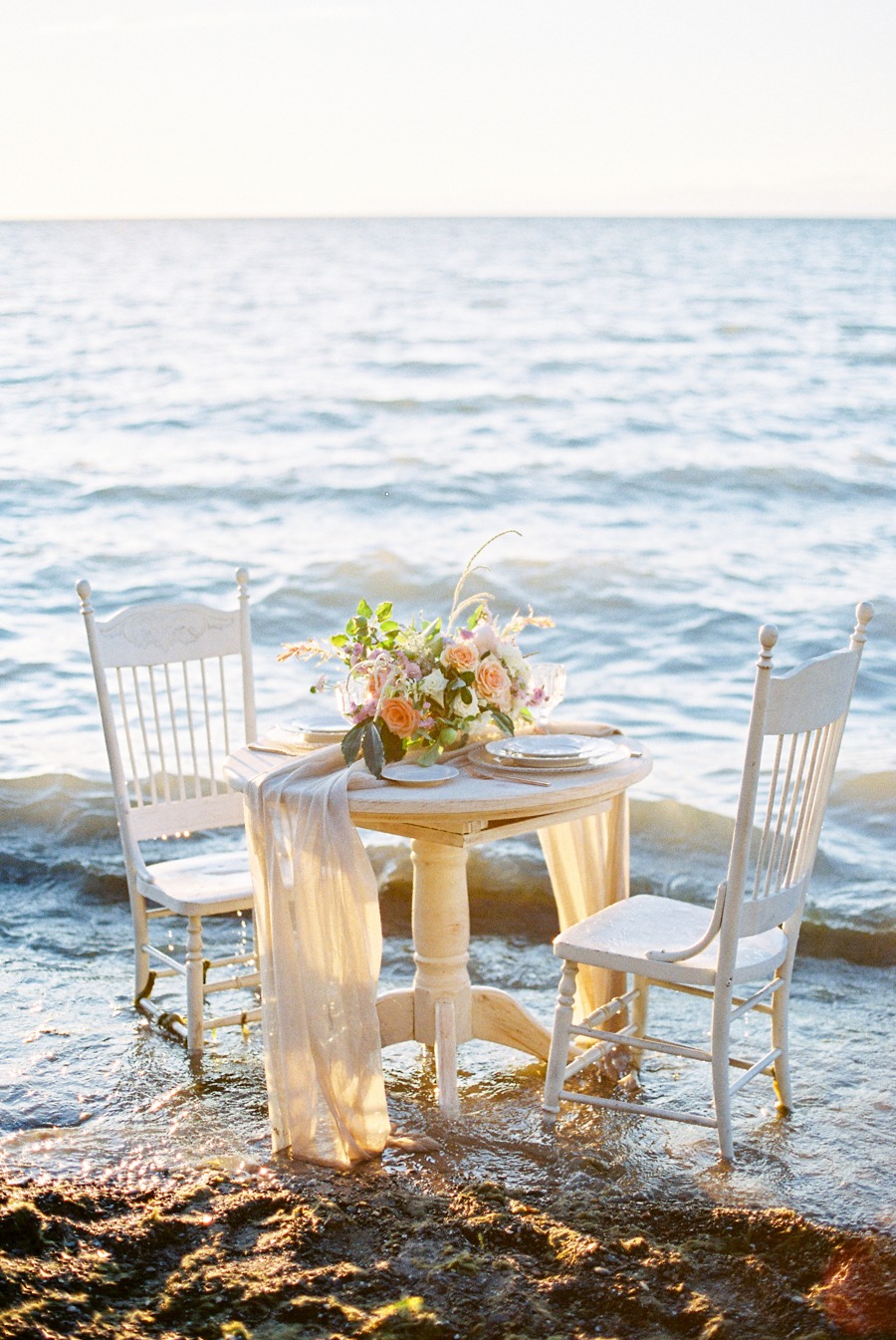Seaside_Bridal_Inspiration_Bridal_Kurtz_Orpia (8).JPG