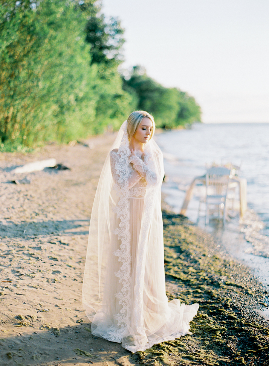 Seaside_Bridal_Inspiration_Bridal_Kurtz_Orpia (35).JPG