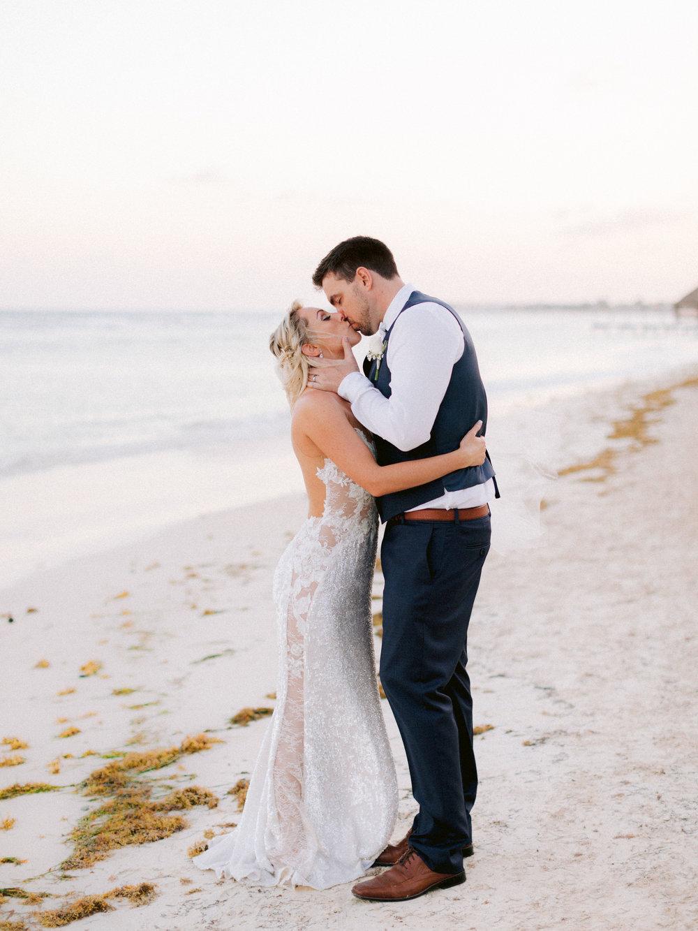 Kim_Jeff_Cancun Wedding_Portraits_Kurtz_Orpia (167 of 178).jpg