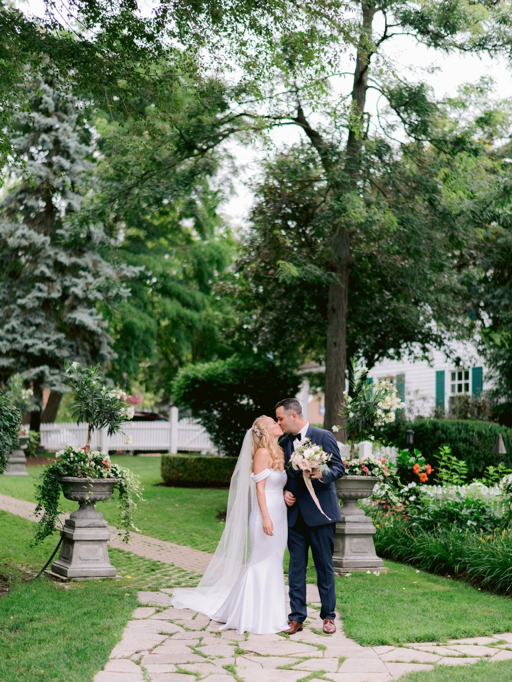 Toronto_Niagara_Wedding_Photographer_Fine_art (42 of 65).jpg