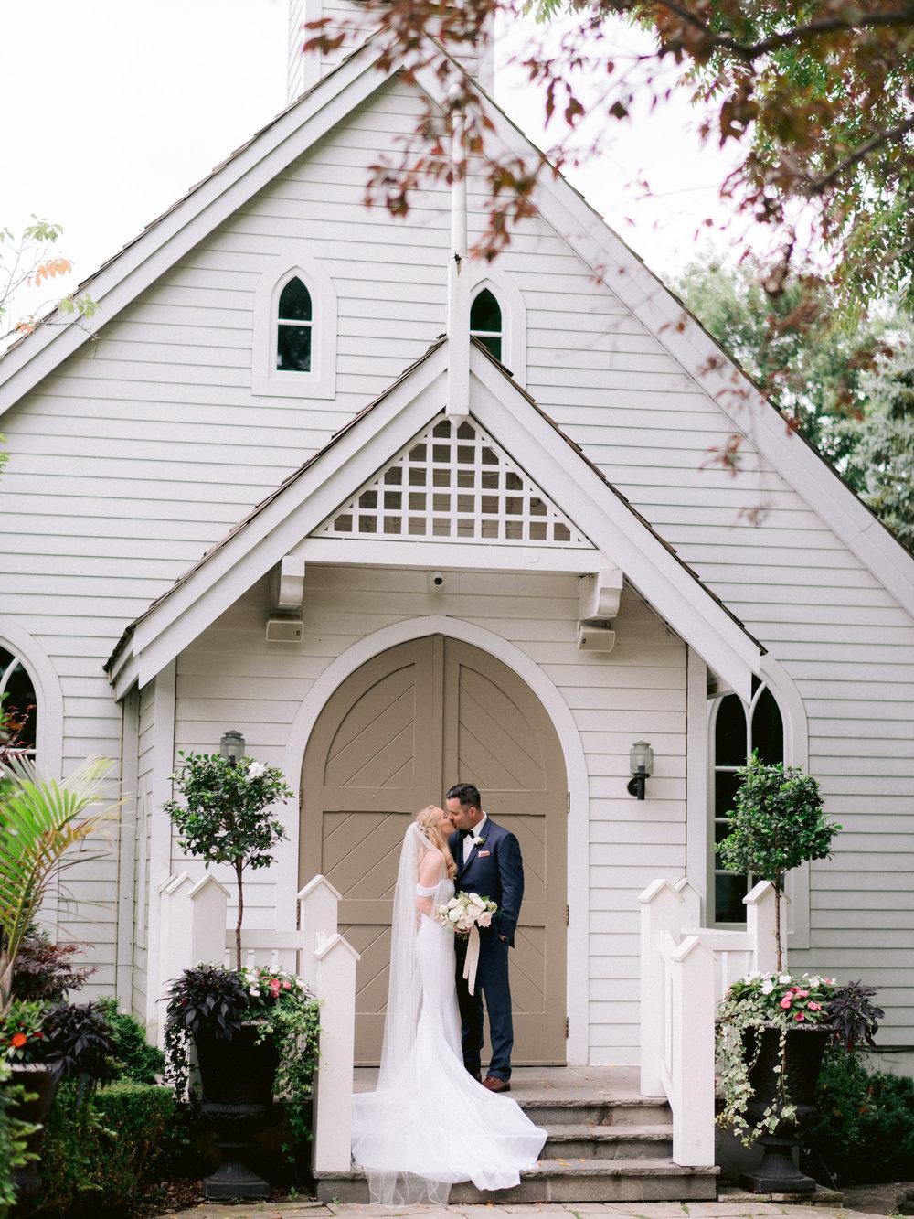 Toronto_Niagara_Wedding_Photographer_Fine_art (49 of 65).jpg