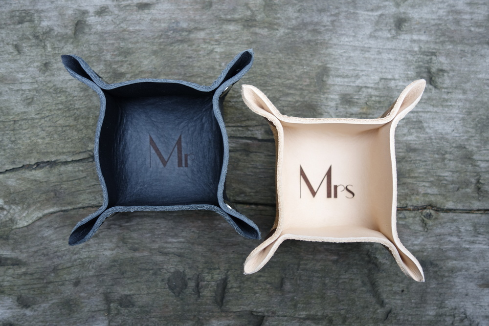 These beautiful Mr & Mrs ring trays were laser engraved for a custom order, the perfect his n hers wedding gift. I may have to add these into the collection as a staple offering . . wedding gift ideas ?