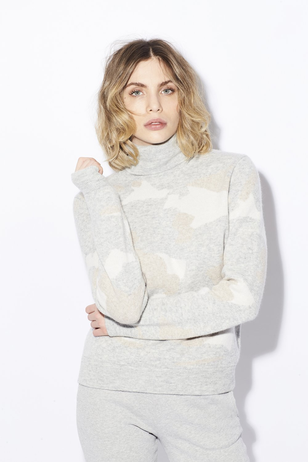 Majestic Filatures Camo Print Turtleneck