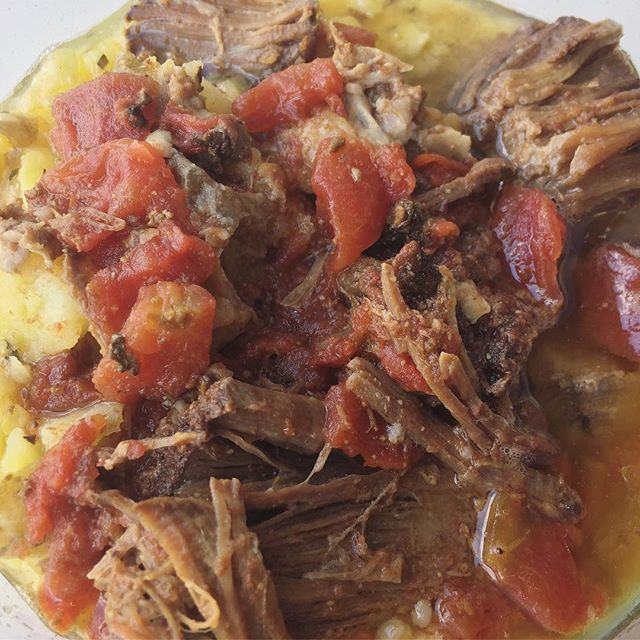 Leftovers lunch on #whole30 day 7: tender pork shoulder from @kettlerangemeats made in the slow cooker to beat the heat with smashed potatoes and diced tomatoes. A peach 🍑 and yellow pepper turmeric soup on the side made for a super satisfying #whole30lunch !