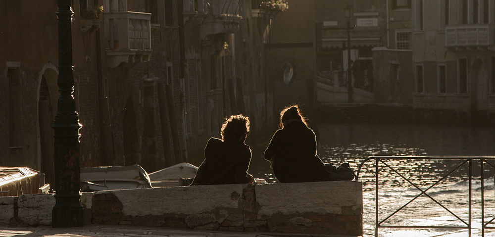 Couple on the Rio della Misericordia. Photo: Amy Bown