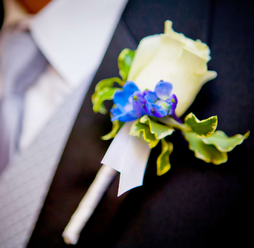 inis boutonniere.png