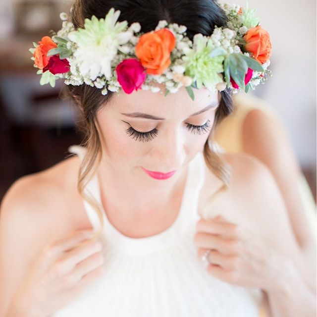 Obsessing over how gorgeous Penina looks in the floral crown we designed for her!! Beyond magical! ✨😍 @honeyphotographs #honeyphotographs #elementsofstylesd