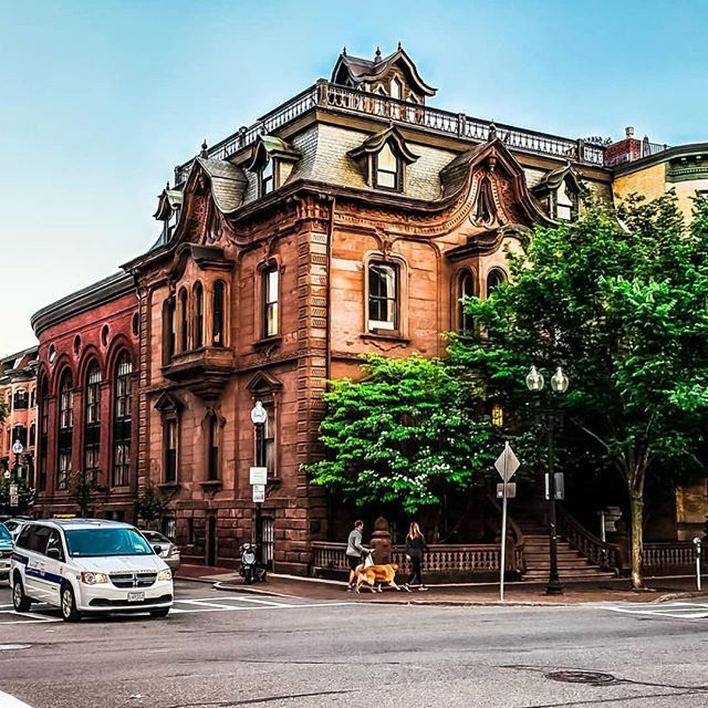 A beautiful shot of the Allen House on Washington Street by @showcasingboston! #DidYouKnow that the Allen House was built in 1859 and was once home to several social clubs?