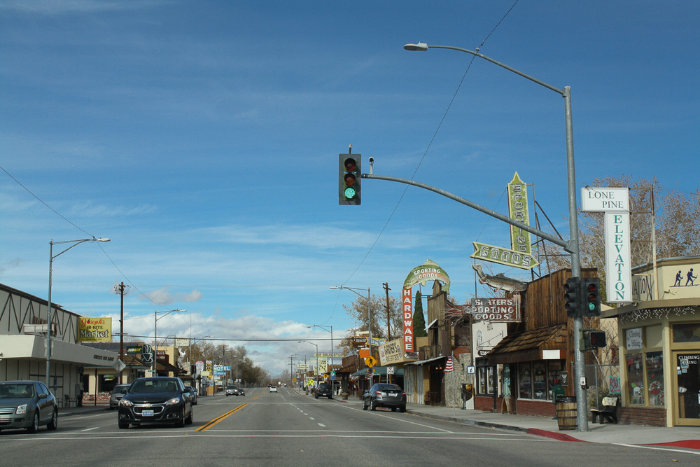 My one good picture of the main street (the 395) through Lone Pine.