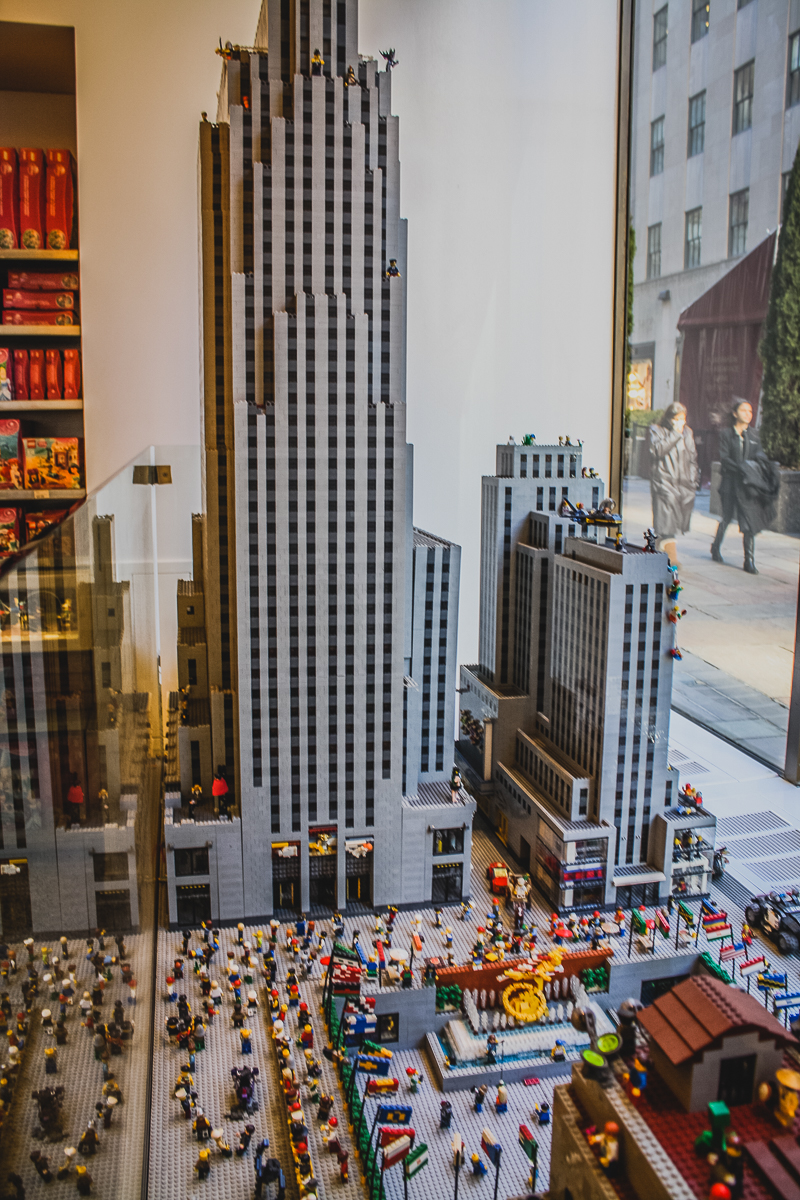 What's better than Rockefeller Center? LEGO Rockefeller Center, duh!