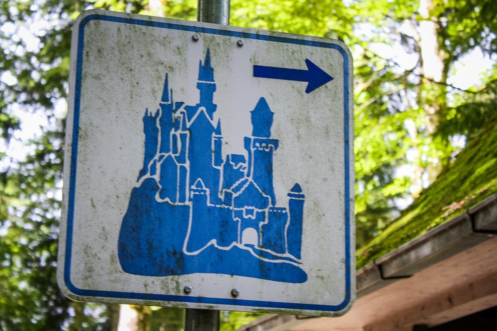 """""""Castle that-a-way!"""""""