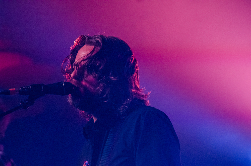 MINUS THE BEAR_MARKET_08.jpg