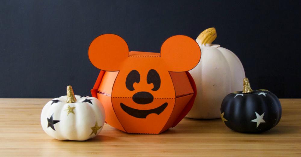 Crafts-Mickey-PopUpPumpkin-MatthewReinhart3.png