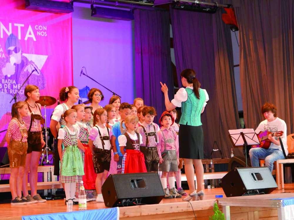 1festival_cianta-con-nos_cor-bec-da-poza.jpg