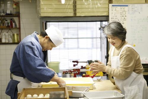 Wagashi shokunin (Japanese patissier) Chikara Mizukami