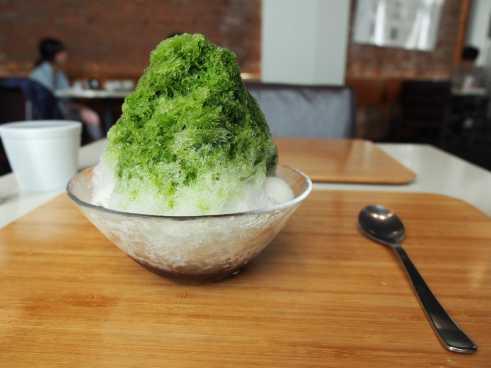 "Summer treats ""Ujikintoki kakigori"""