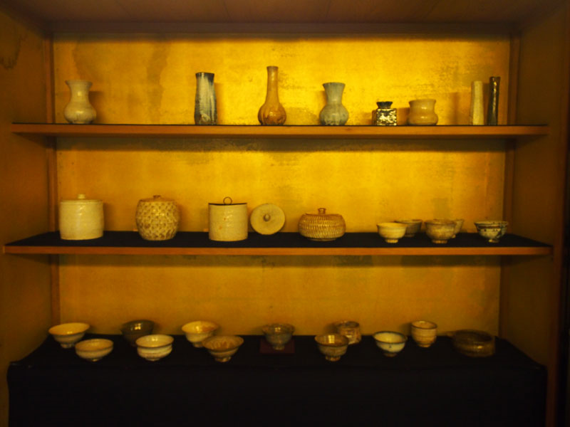 A private pottery gallery