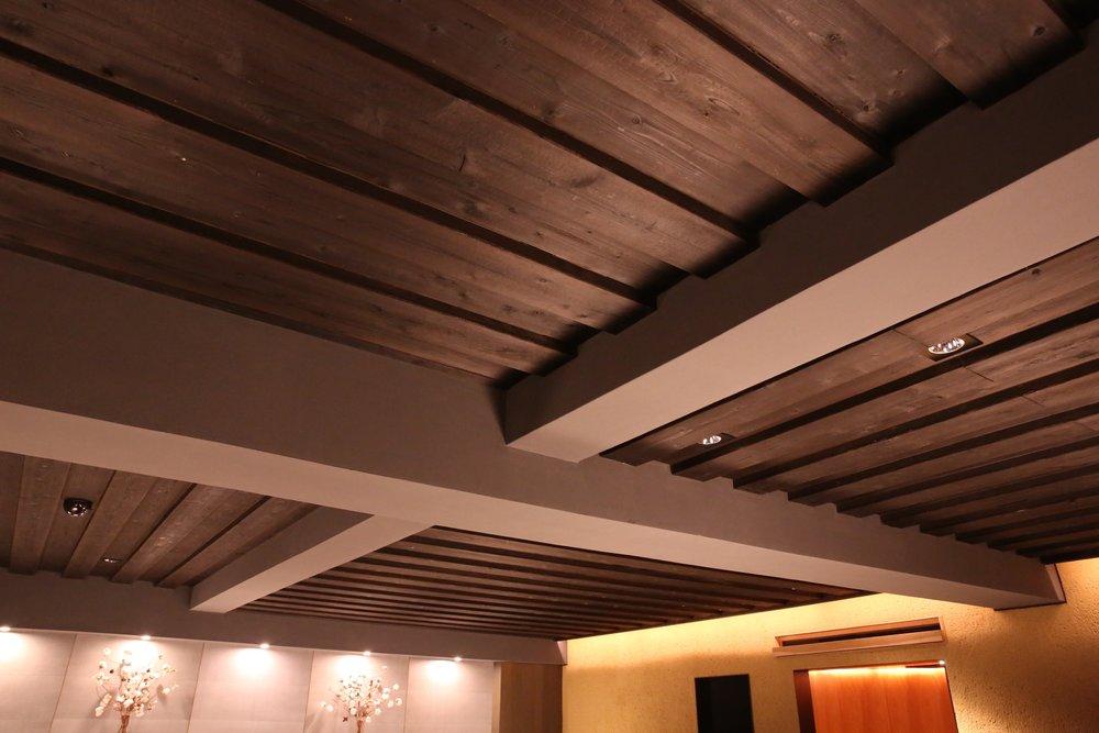 Yaki-sugi ceiling. ©TOKI