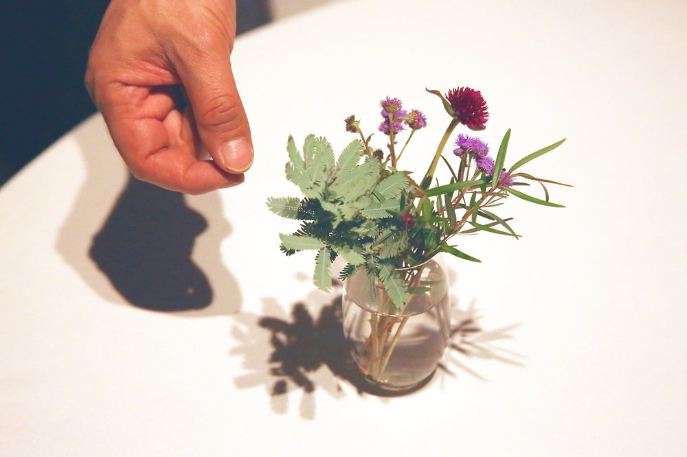 Namae explained that even the decorative flowers on the table are organic. ©TOKI