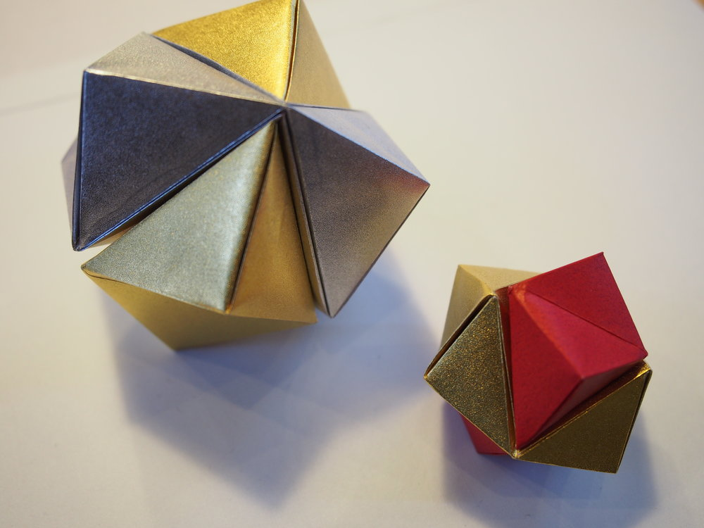 Origami can be used to express anything, from geometric shapes to life-like animals. ©TOKI