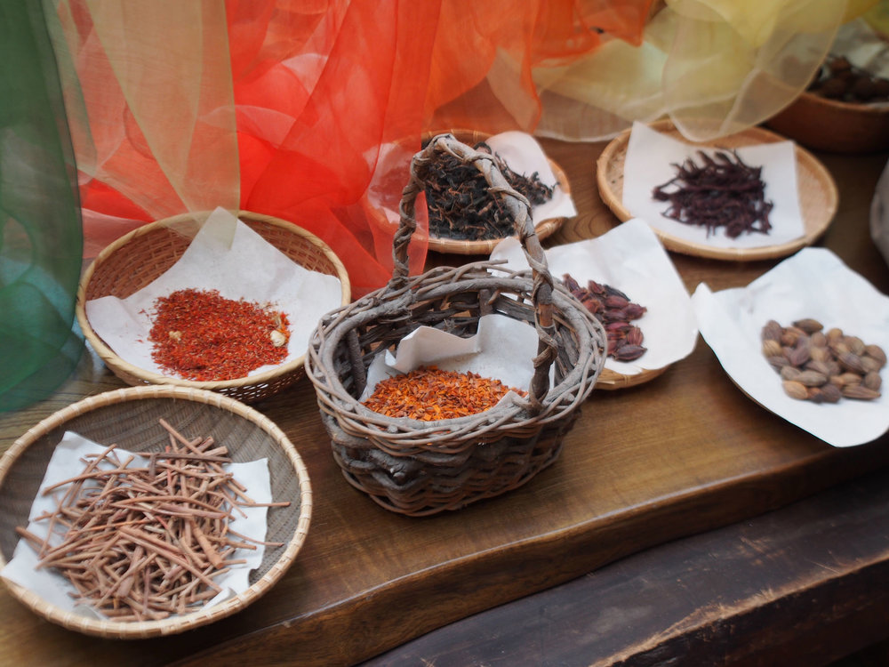 Yoshioka laid out an array of some of the organic ingredients he uses to create his natural dyes. ©TOKI