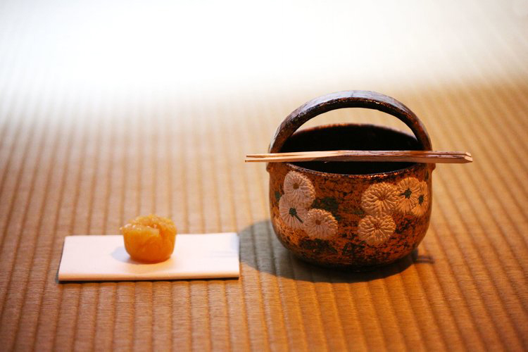 INTRODUCTION TO JAPANESE AESTHETICS