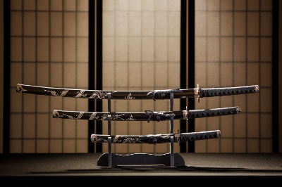 WITNESS THE MAKING OF JAPANESE KATANA SWORDS     An invaluable opportunity to see with your own eyes the ancient process of sword-making, a Japanese art recognized and praised around the world.