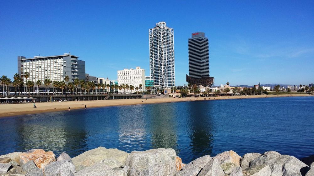 praia barceloneta.jpg
