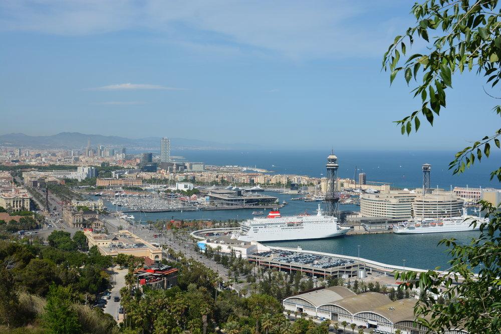 Vistas na subida do Montjuïc