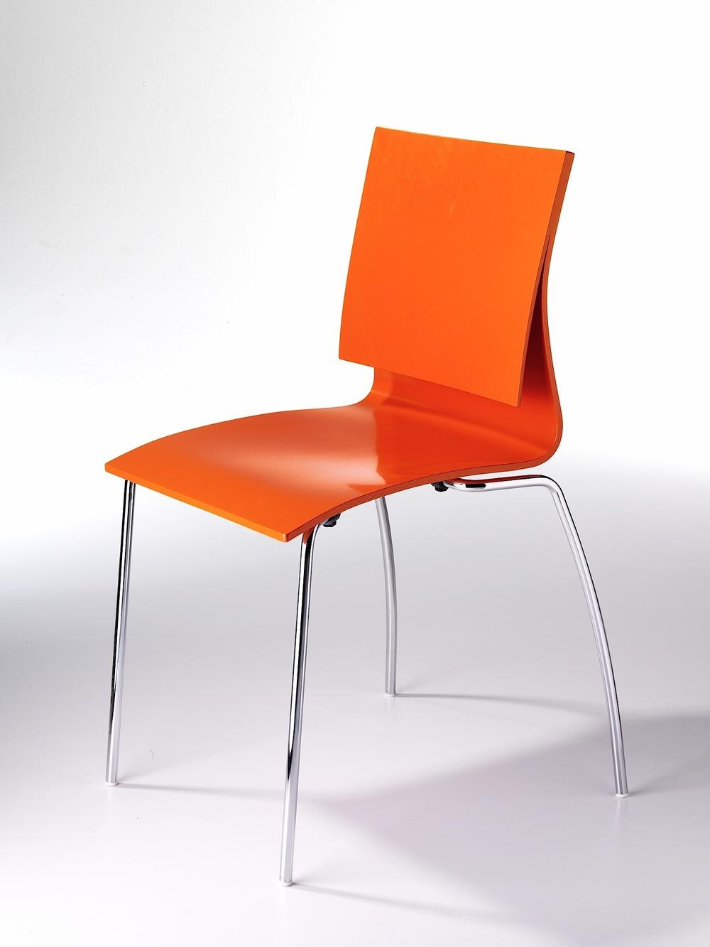 Stuhl_orange 002.jpg