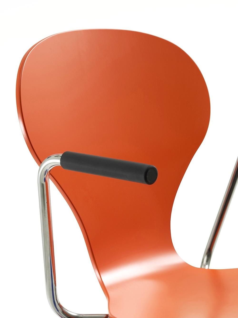 Solo armchair.jpg