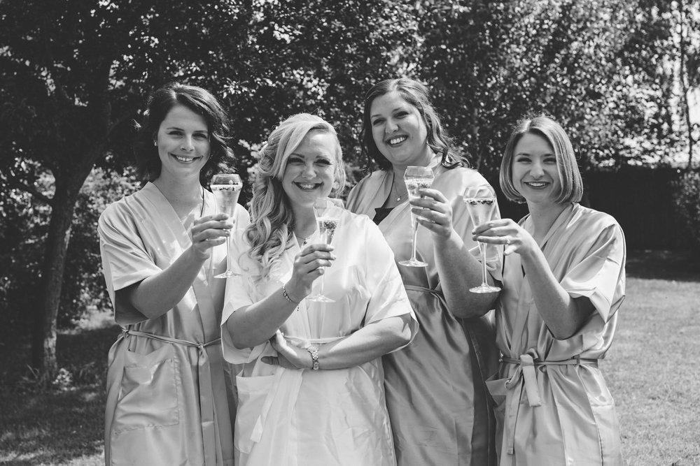 Buckinghamshire-wedding-photographer-007.jpg