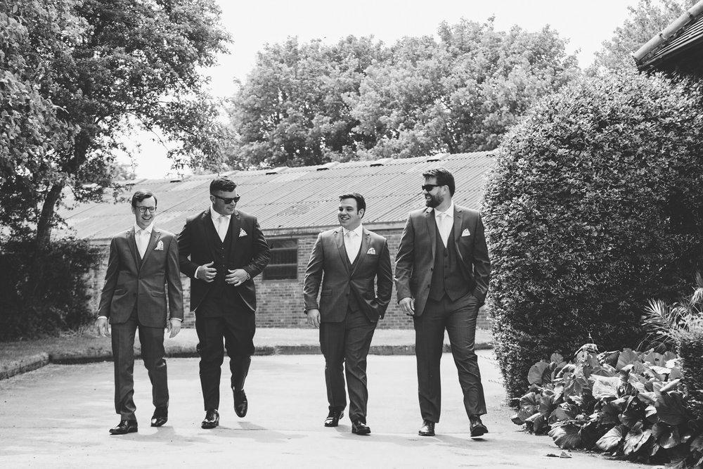 Buckinghamshire-wedding-photographer-010.jpg