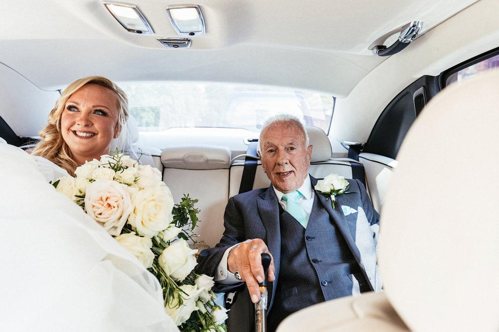 Buckinghamshire-wedding-photographer-015.jpg