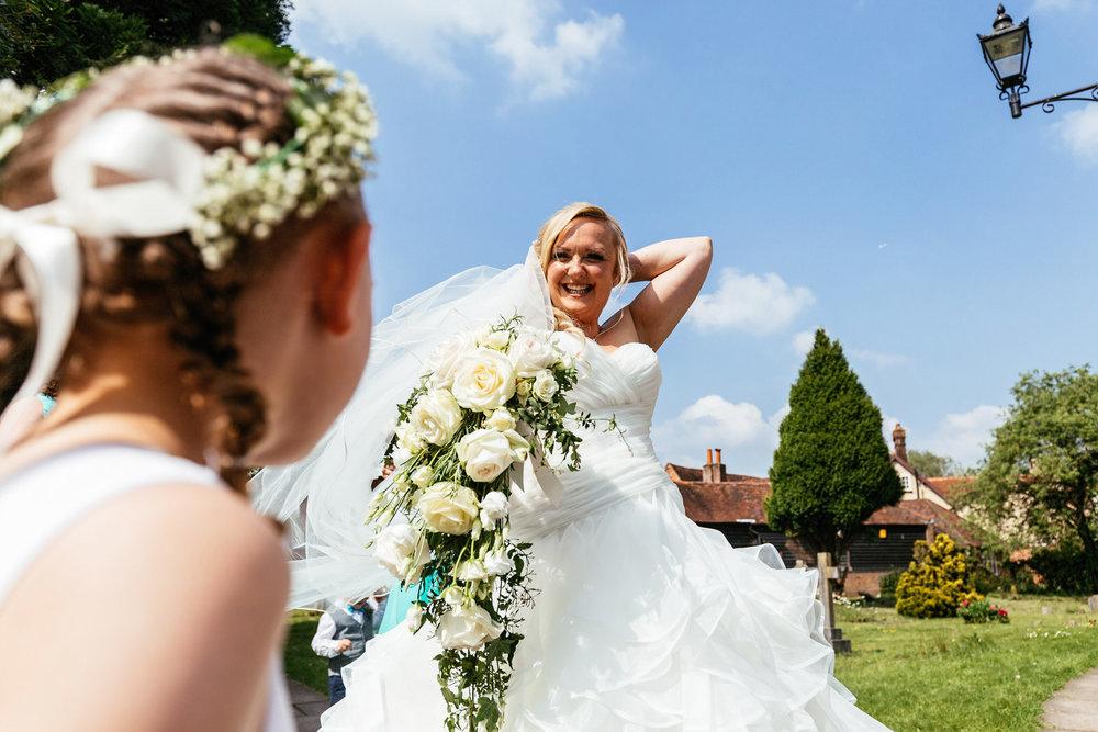 Buckinghamshire-wedding-photographer-027.jpg