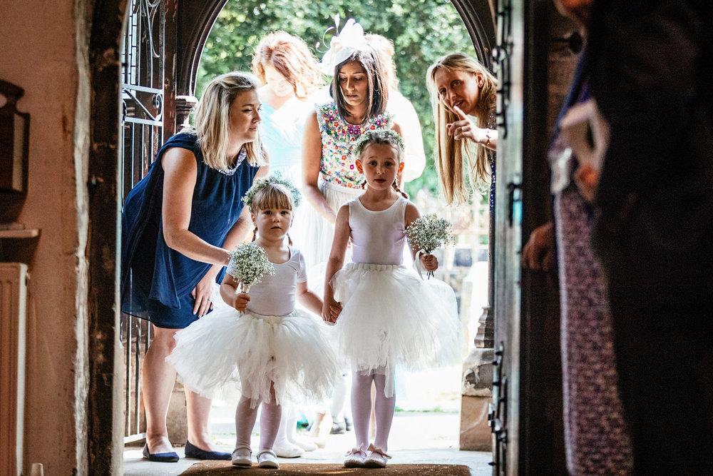 Buckinghamshire-wedding-photographer-028.jpg