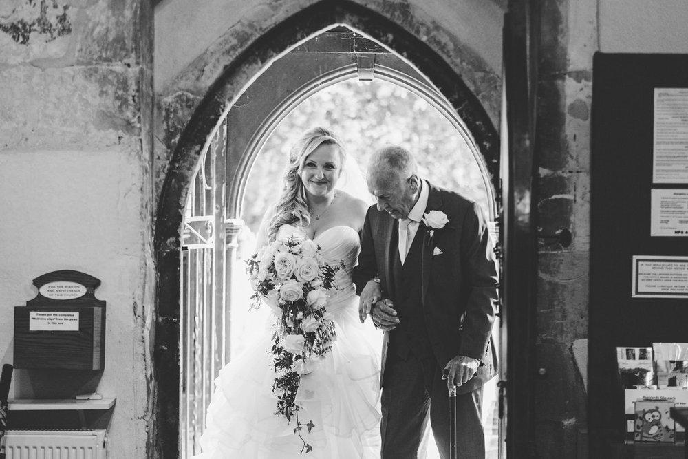 Buckinghamshire-wedding-photographer-029.jpg