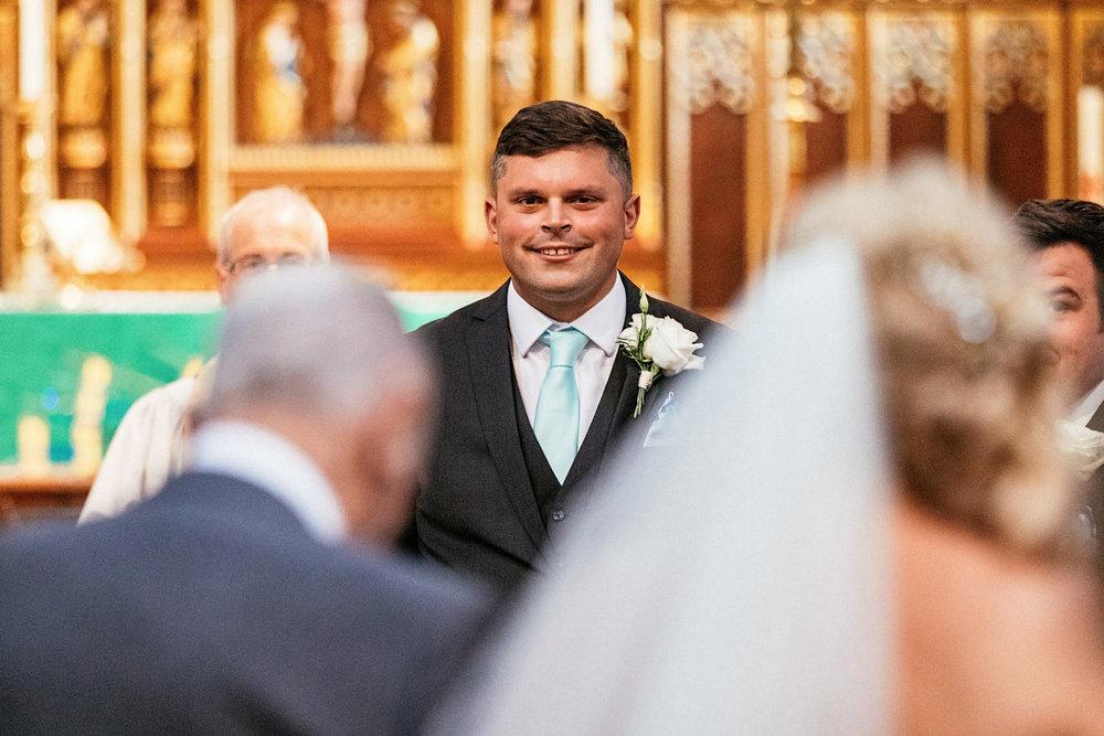 Buckinghamshire-wedding-photographer-031.jpg