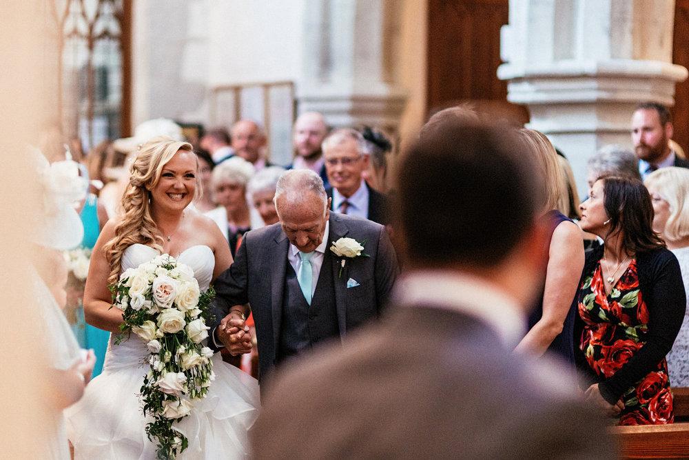Buckinghamshire-wedding-photographer-032.jpg
