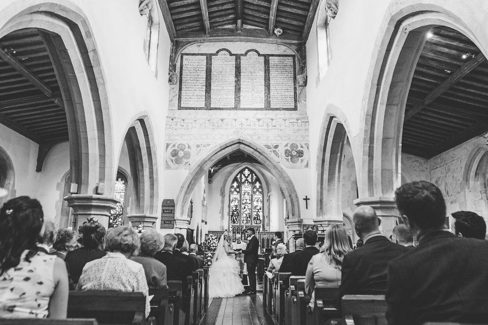 Buckinghamshire-wedding-photographer-035.jpg