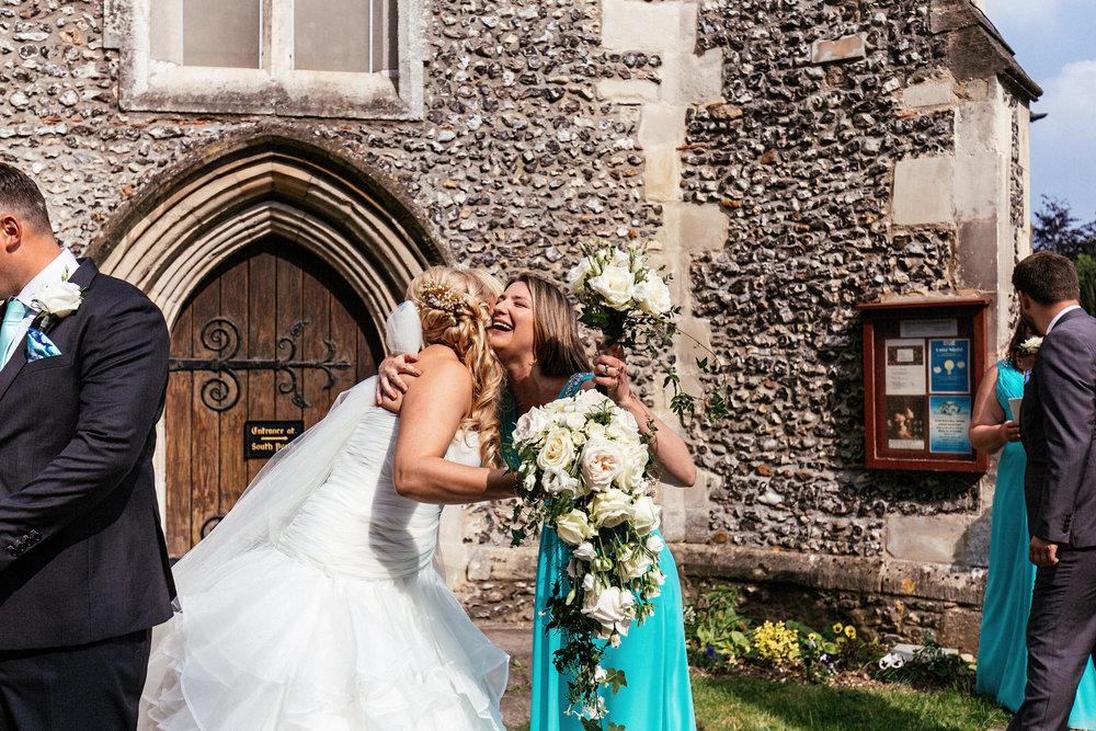 Buckinghamshire-wedding-photographer-040.jpg